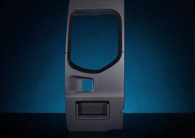 Kunststoffverkleidung einer Heckdrehtüre für Nutzfahrzeuge